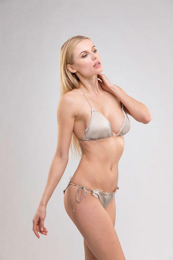 Donna con costume Cindy grigio perla